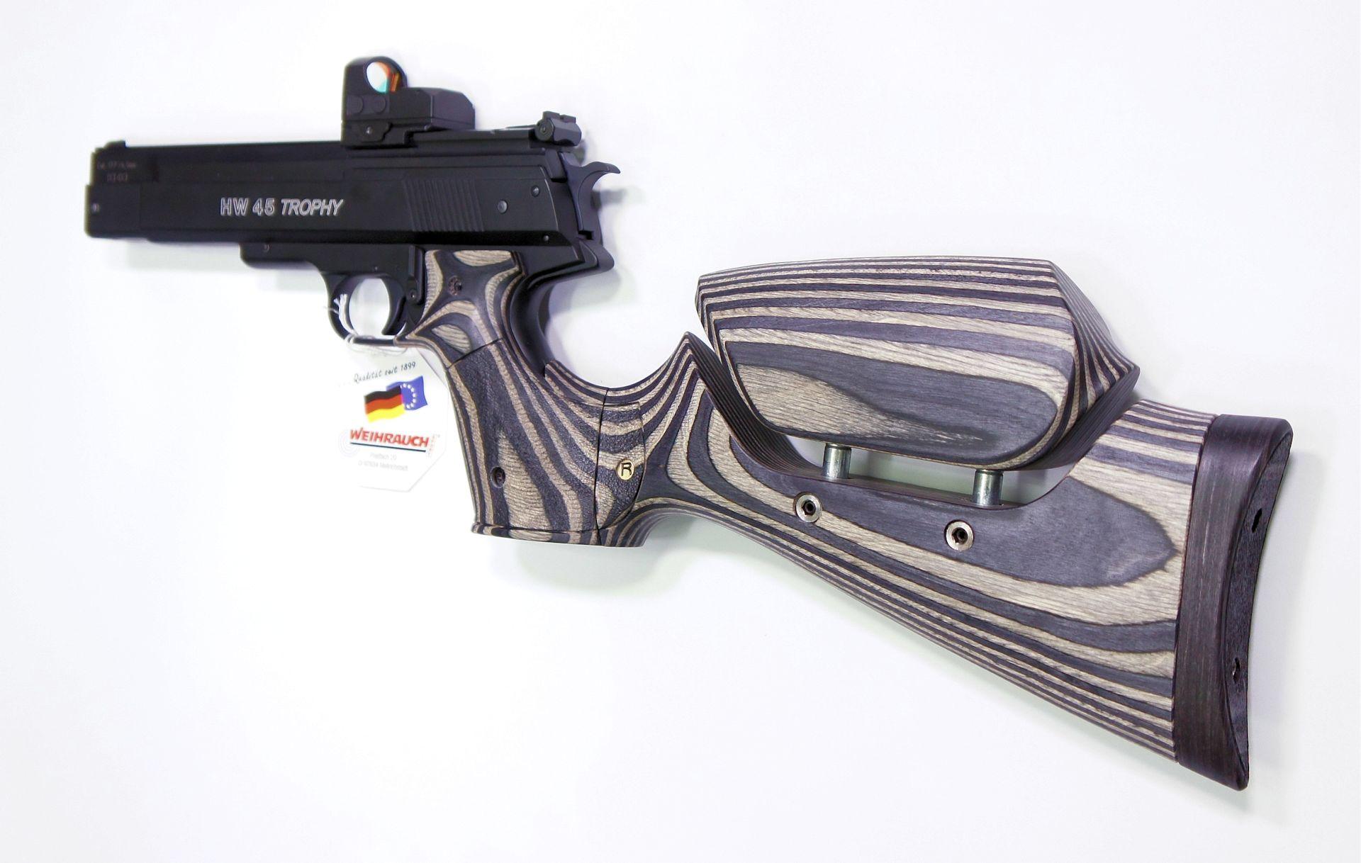 Montagebeipiel in anderer Schaftfarbe mit Luftpistole HW 45 als Pistolenkarabiner