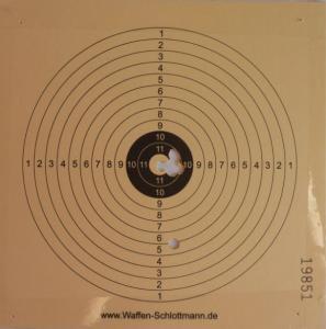 Trefferbild vom Luftgehr HW 30 mit Schalldämpfer