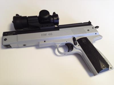 Luftpistole HW 45 mit Optik
